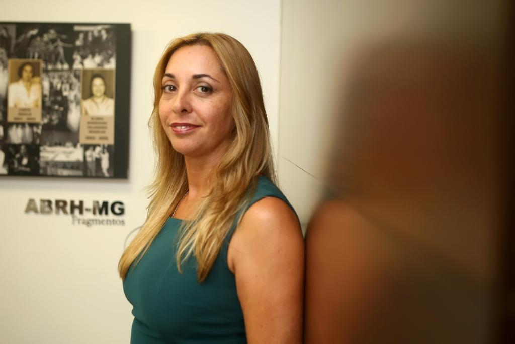 Diretora da ABRH MG na sede da entidade. 15/03/2011. FOTO ÉLCIO PARAÍSO/BENDITA